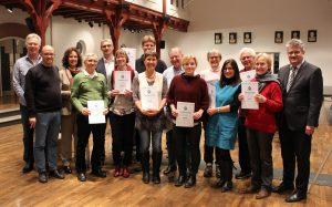 die Teilnehmerinnen in Bühl erhalten ihr Zertifikat